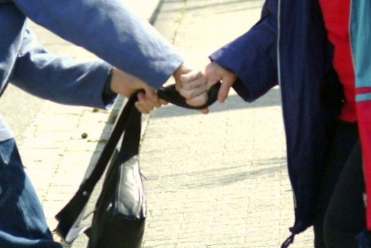раскрытие уличных грабежей и разбоев этом