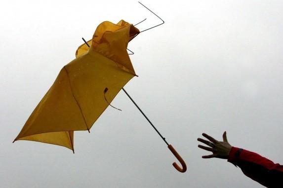 МЧС предупредило кубанцев осильном ветре иливнях сградом напраздники