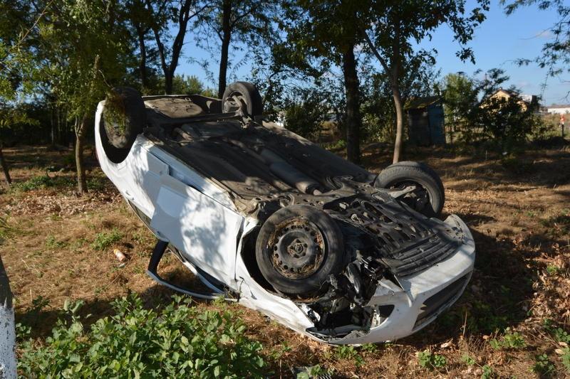 ВЕйском районе вперевернувшемся Шевроле умер 29-летний шофёр