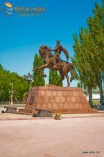 памятник основателю города князю Воронцову